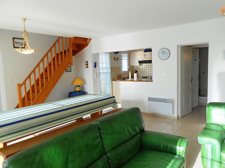 maison de vacances ile d 39 ol ron 152 ile d 39 ol ron s jour pas cher. Black Bedroom Furniture Sets. Home Design Ideas