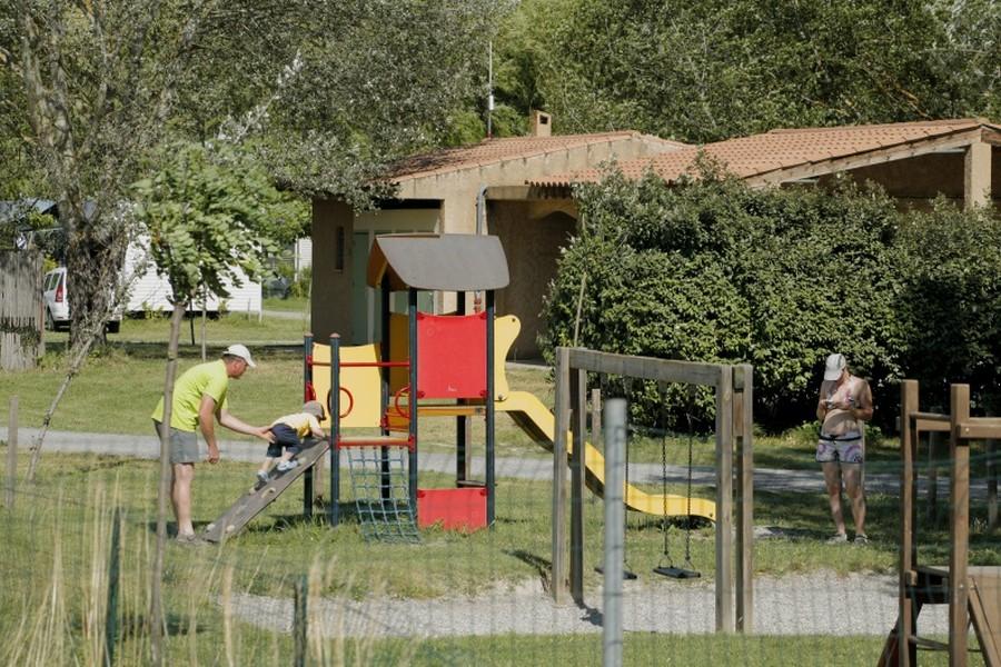 Camping pr s du verdon quinson s jour pas cher for Camping proche des gorges du verdon avec piscine